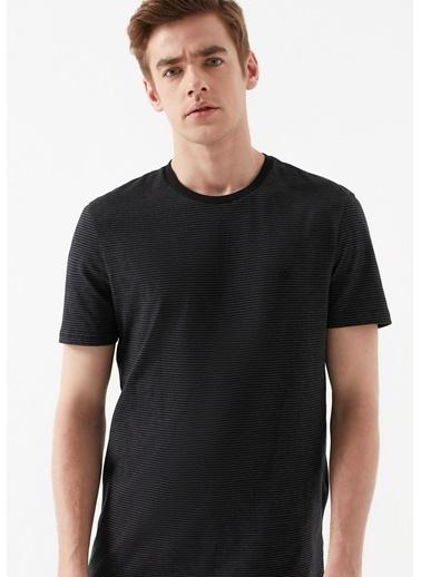 Mavi Çizgili  Basic Tişört Siyah